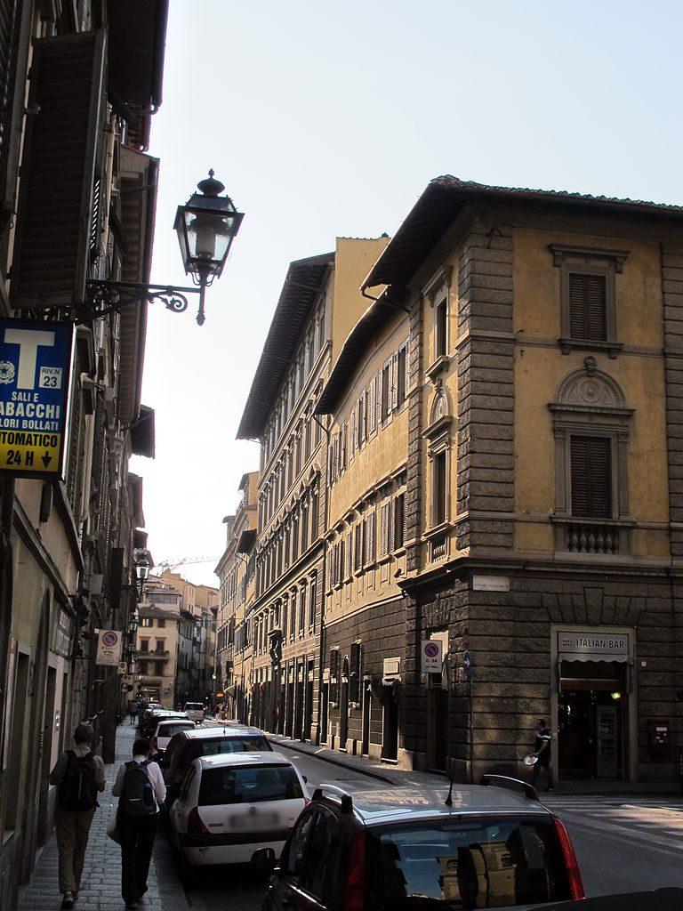 Hoek van de Via Antonio Magliabecchi en Corso dei Tintori